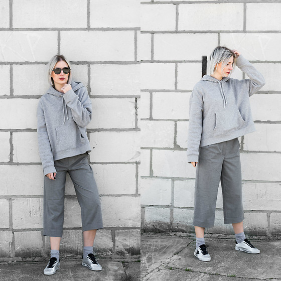 Nena F. - H&M Hoodie - Everything grey