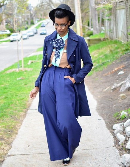 Sushanna M. - Navy High Waisted Palazzo Pants - Dizzy Gillespie