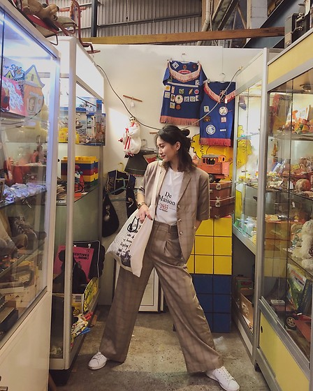 Camille -  - In vintage store