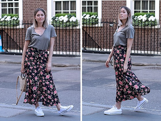 Amy Ramírez - Zara Skirt, Zara Top, Converse Sneakers - Spring flowers