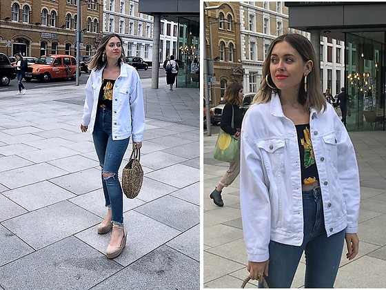 Amy Ramírez - Pull & Bear Jacket - White denim