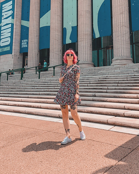 Jessie Barber - Topshop Dress, Target Sneakers, Coach Vintage Bag, Madewell Fest Aviators - Museum Day