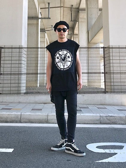 ★masaki★ - Gg Allin Self Remake Tee, Kill City Skinny Jeans, Vans Sk8hi - Allblack everything