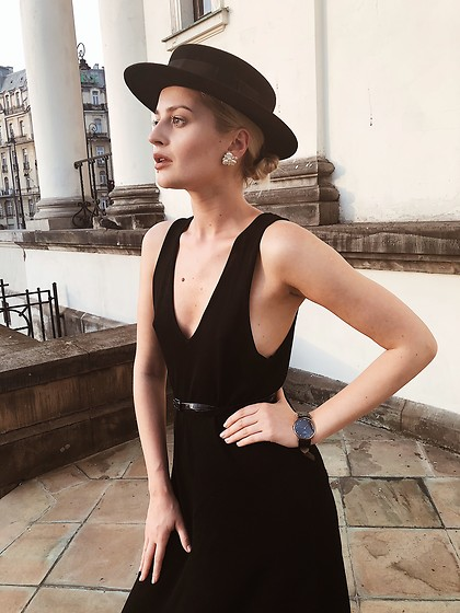 Claudia Adaszewska - Longines Watch - All black