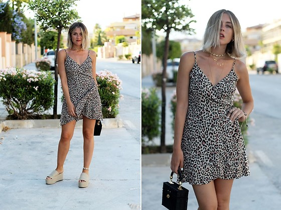 Amy Ramírez - Bershka Dress - Animal print