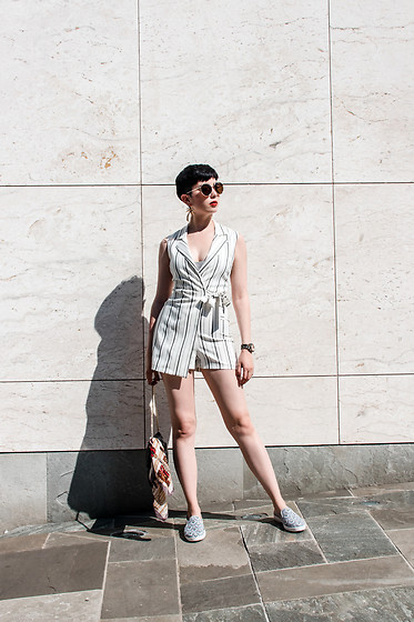 Samantha Mariko - Bershka Romper, Zerouv Sunglasses, Rivieras Shoes - Wrap around