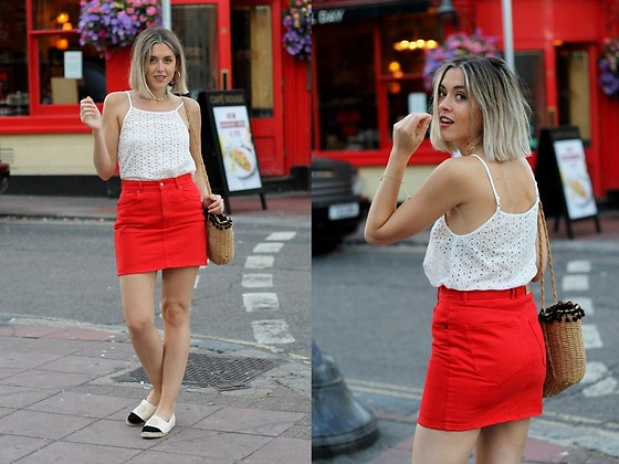 Amy Ramírez - Pull & Bear Skirt, Shein Top - Red denim