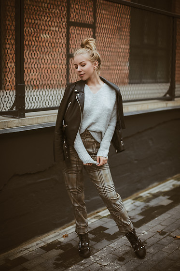 Anna Turanova - Reserved Sweater, Reserved Pants, Reserved Boots, Zara Jacket - Autumn Love