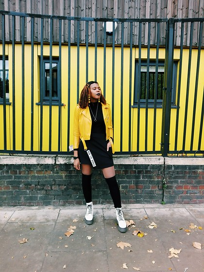 Yara Snow'z - New Yorker High Knee Socks, Bershka Boots With Platform Xl, New Yorker Black Skirt, Zara Mostard Leather Jacket - London Yellow