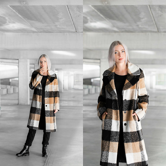 Nena F. -  - Checkered winter coat