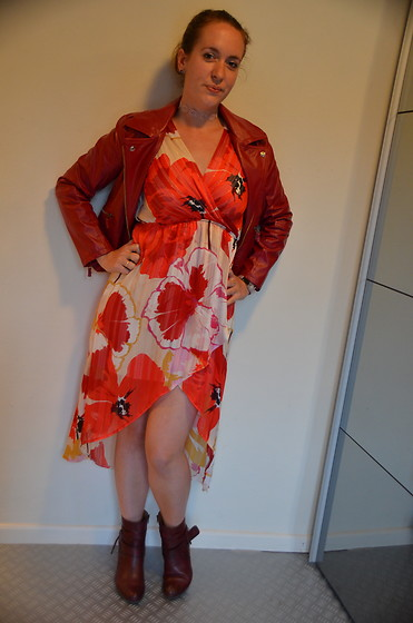 Sarah M - Aliexpress Jacket, Vintage Love Dress, Pikolinos Booties - Floral & Leather