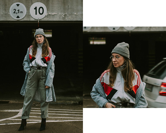 Iwona - Adidas Sweatshirt - Grey Day