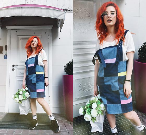Vlada Kozachyshche - Booriva Jeans Dress, Booriva T Shirt, Booriva Glasses, Booriva Socks, Nike Sneakers - Flower Shop