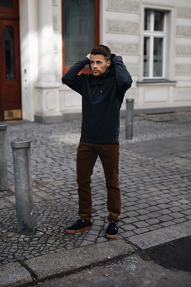Kevin Elezaj - Huf Sneakers, Gap Pants, Topman Sweater - Sweater weather