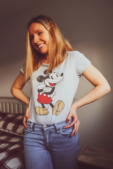 Katie Louise Williams - H&M Mickey T Shirt, Gap Jeans - Mickey tshirt