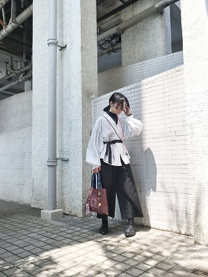 Fannyhyy - Monki Shirt, Monki Black Mock Turtle, Handmade By Myself Tote - Sunlight at Noon