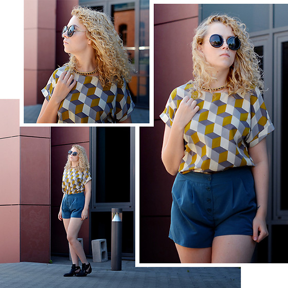 Iga Parker - Marks & Spencer Top, Thrift Shop High Waist Shorts, Zalando Necklace - Cubic