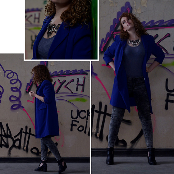 Iga Parker - Five Jeans, Thrift Shop Coat - Artsy