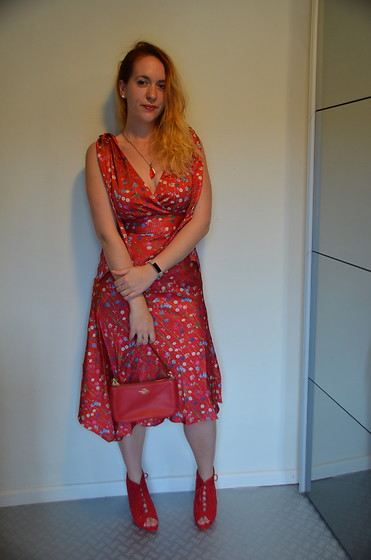 Sarah M - Aliexpress Necklace, Keepsake The Label Dress, Coach Bag, Primark Heels - Lady in Red