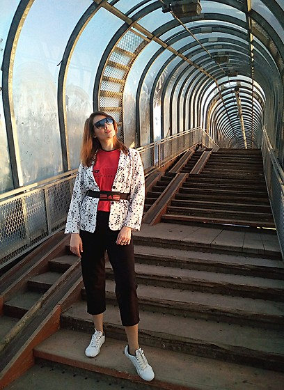Natalyushka - Diesel Red T Shirt, Adidas Black And Red Belt Bag - Tunnel Vision