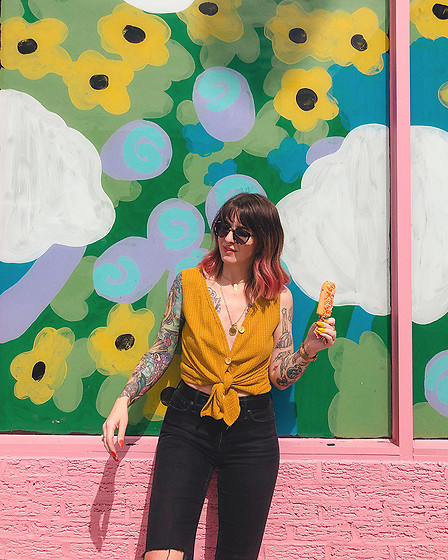 Jessie Barber - Amazon Yellow Button Down Tank, Madewell Layton Sunglasses, Madewell High Rise Denim, Ettika Double Coin Pendant Necklace, Ettika Rectangular Pendant Necklace - Just Add Popsicles