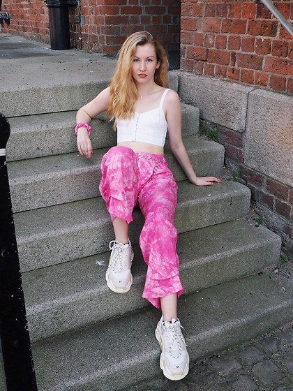Bec Oakes - White Denim Bralet, Pink Tie Dye Trousers, Dad Trainers - Think pink