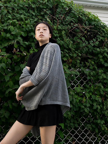 Gi Shieh - Urban Outfitters Sea Green Knit Cardigan, H&M Black Mockneck T Shirt Dress - Playing with Layers