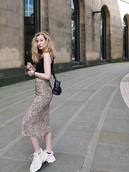 Bec Oakes - Ribbed Crop Tank, Leopard Print Midi Skirt, Dad Trainers, Mini Backpack - Brandy basics