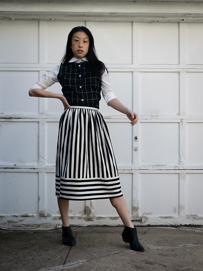 Gi Shieh - Stolen From Sister Black And White Button Down Grid Patterned Shirt, Topshop Black And White Striped Skirt, Matisse Black Booties - Black White Print/Pattern Mixing Again!