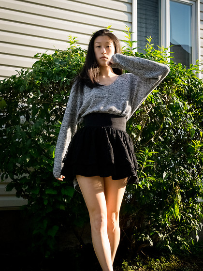 Gi Shieh - Urban Outfitters Heather Grey Sweater, Forever 21 Black Lace Skirt - SWEATERS FOR FALL!