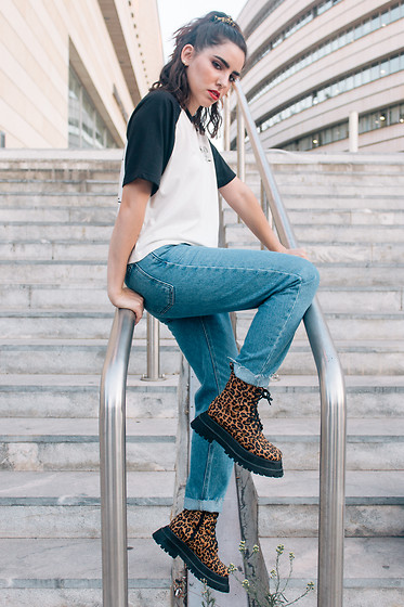 Life Stalkers - Kaotiko Boyfriend Jeans, Jeffrey Campbell Shoes Leopard Boots, Kaotiko T Shirt - Ready for School