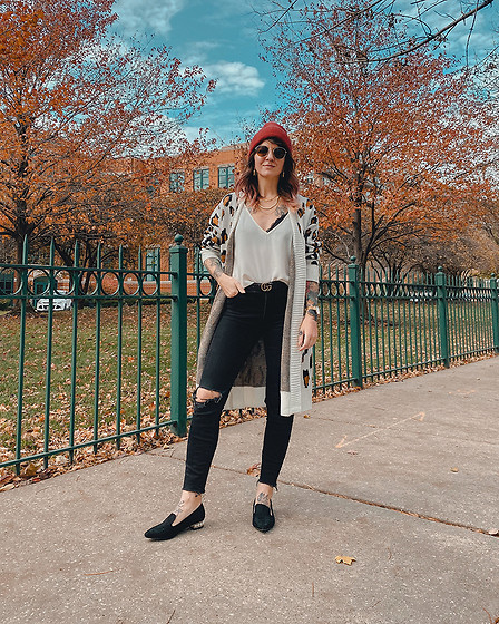 Jessie Barber - Shoedazzle Michelle Pearl Embellished Flat, Amazon Leopard Sweater, Madewell High Rise Skinny Jeans, American Apparel White Tank, Ettika Layered Necklace, Madewell Red Beanie, Madewell Fest Aviators - Spot On