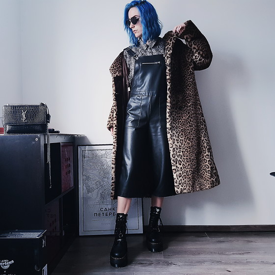 Saskia B. - Vintage Faux Fur Coat, Leather Playsuit, Zara Leopard Shirt, Dr. Martens Dollskill Jadon, Yves Saint Laurent Sunset Bag - Trinity