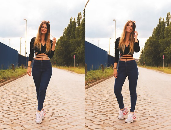 Jenny - Femmeluxe Top, Bershka Pants, Nike Shoes, Primark Sunglass - CROP TOP