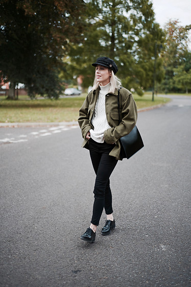 Daniella Robins - Vintage Jacket - Back To Basics With Black Skinny Jeans