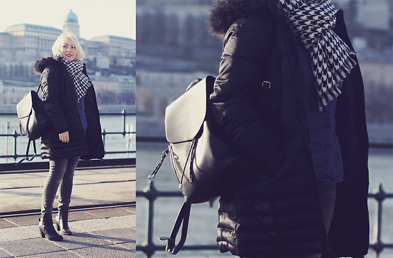 Anca Varsandan - Dkny Puffer Jacket, Zara Backpack, Zaful Boots, Reserved Jeans, Primark Tweed Scarf - Budapest