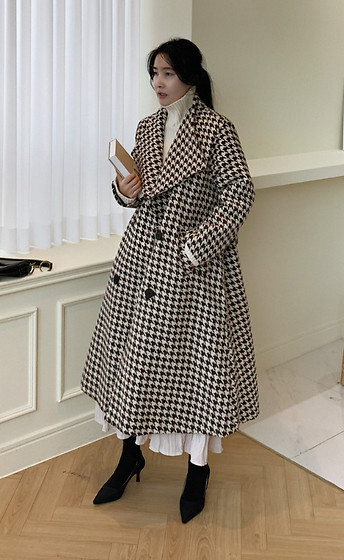 Miamiyu K - Miamasvin Belted Houndstooth Coat - Classically Polished