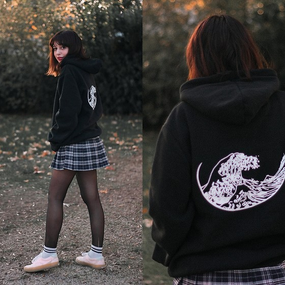 Filipa Lopes - Ninja Cosmico Blck Oversized Hoodie - The great wave