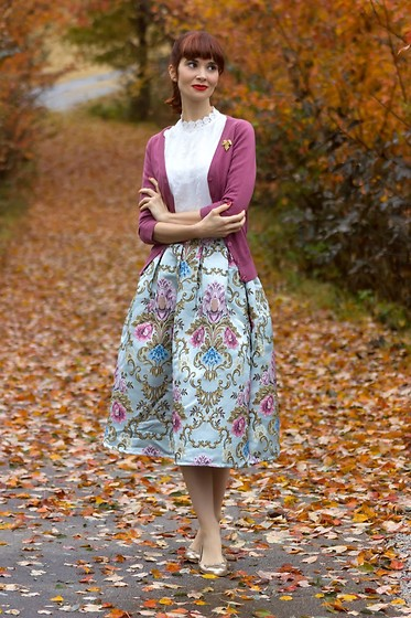 Bleu Avenue Ofbleuavenue - Chic Wish My Fair Lady Baroque Embroidery Midi Skirt, Shei Guipure Lace Neck Embroidery Eyelet Top, Mak Dream Of The Crop Cardigan - My Fair Lady
