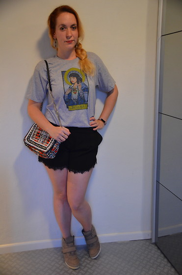 Sarah M - Aliexpres T Shirt, Zara Bag, Pimkie Shorts, Primark Wedge Sneakers - Mia Outfit
