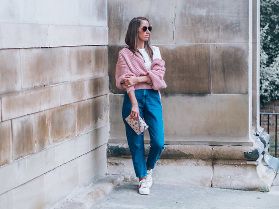 Petite Paulina -  - Effortless Style