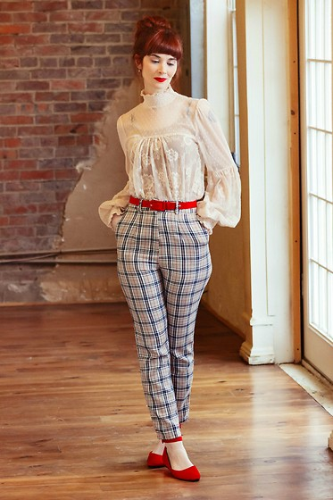Bleu Avenue Ofbleuavenue - Femme Luxe Finery Beige Tartan High Waisted Skinny Leg Trousers Percy, Forever 21 Lace Top - Beige Tartan Trousers