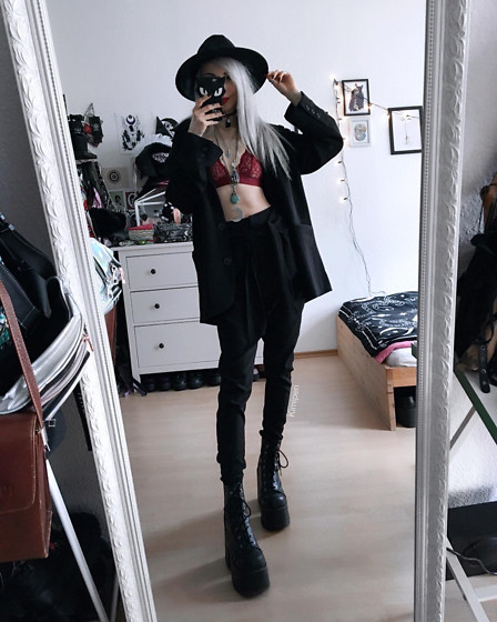 Kimi Peri - Na Kd Oversized Blazer, Demonia Camel 203 Platform Boots, Na Kd Knot Suiting Pants, Na Kd Red Lace Bra, Killstar Eternal Eclipse Fedora Hat, Crescent Moon Necklace - Wine Red & Black