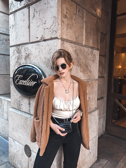 Vlada Kozachyshche - Zaraz Necklace, Zara Crop Top, Urban Outfitters Bag, Forever 21 Pants, Zaful Coat - Pearl
