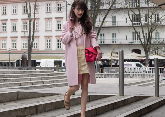 Veronika Lipar - Forzieri Pink Leather Gloves, Red Valentino Pink Silk Blouse, Harris Wharf London Pink Wool Coat, Gucci Leather Mid Heel Pump With Fringe - Fancy Sunday Brunch Outfit to Wear in March