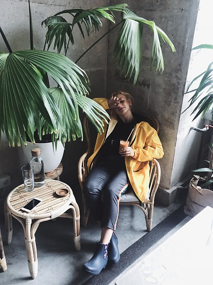 Vlada Kozachyshche - Ohueno Raincoat, Zara Hoodie, Slavno Fanny Bag, Zaful Pants, Crocs Rain Boots - Rainy Days