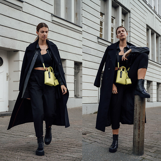Jacky - Asos Trenchcoat, Asos Shirt, Mango Crop Top, Liebeskind Berlin Bag, Mango Pants, Asos Boots - All-black look combined with yellow bag