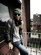 Lukas Städler - Sunglasses, Grandmothers Scarf, Barcode Shirt, Topman Cardigan, Cheap Monday - LA REDÉCOUVERTE