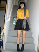 Samantha ! - Forever 21 Gray Bowler, Walmart Gray Scarf, My Mums Cut Off Shirt, Forever 21 Black Pleated Skirt, Thrifted Black Boots - Vince the lovable stoner