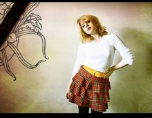 Rosie W - Gap White Ribbed Sweater, A Charity Shop Yellow Leather Belt, Tartan Tiered Skirt - You got me floatin.